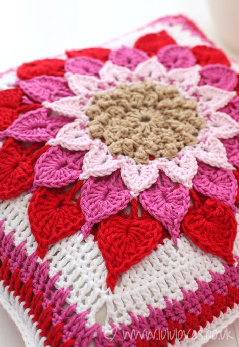crochet-cushion4