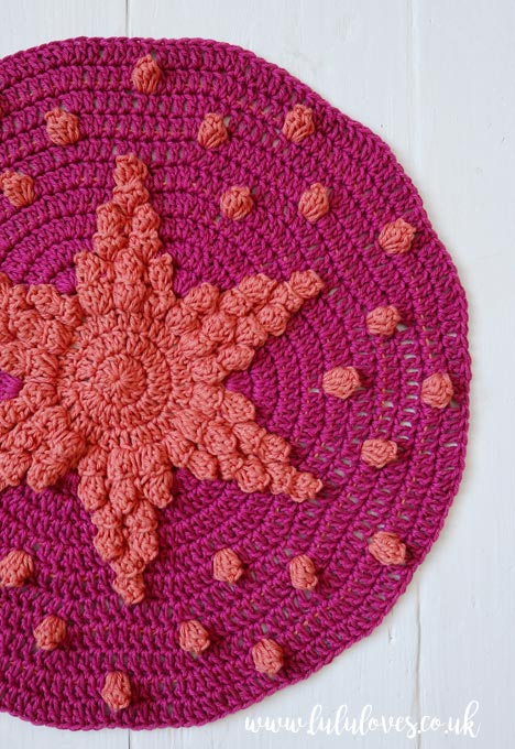 Lululoves Crochet Podcast episode 23: Crochet Star Cushion