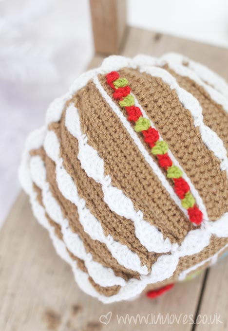 crochet-gingerbreadhouse2