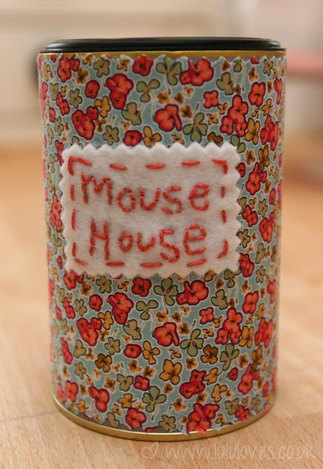 crochet-mouse-house