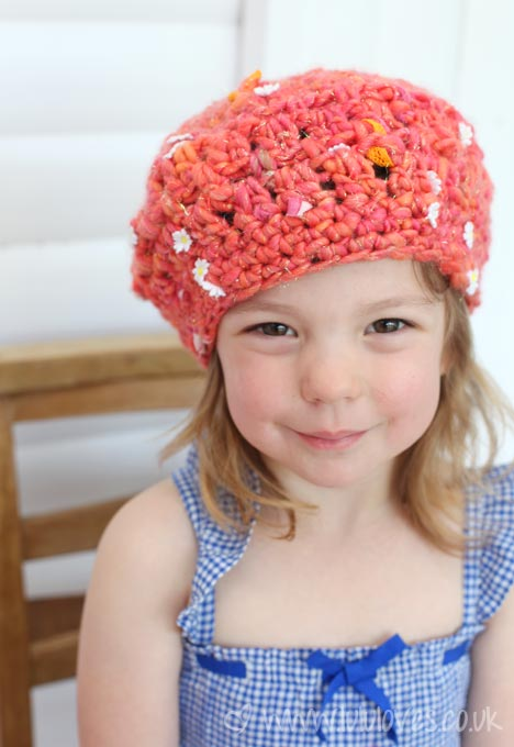 Crochet Hat using Knit Collage Daisy Chain